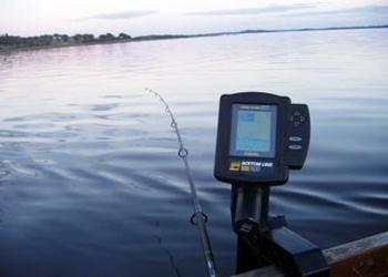 Эхолот для любительской рыбалки и его возможности