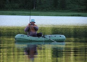 Как заякорить лодку